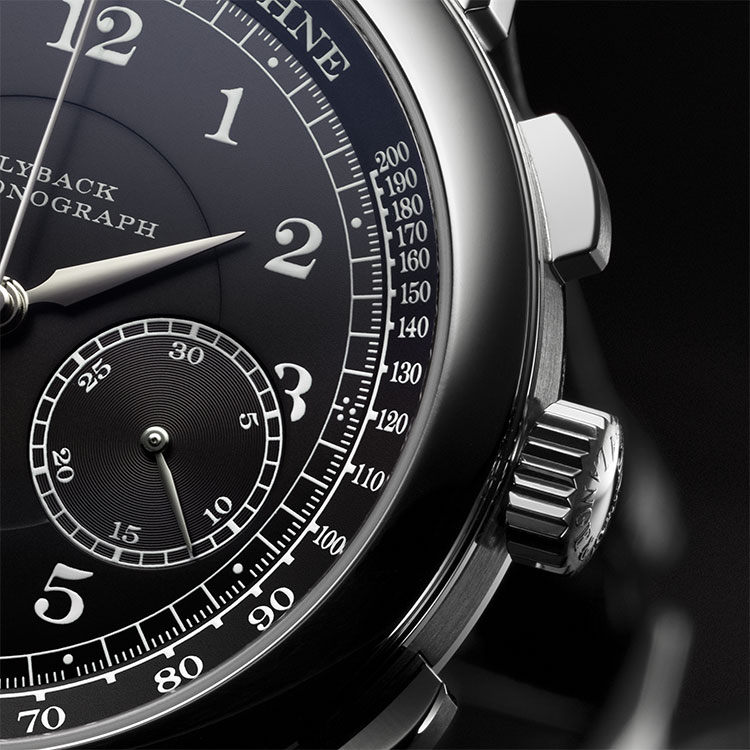 With its minute counter and flyback function, the 1815 CHRONOGRAPH has a precise stop function.