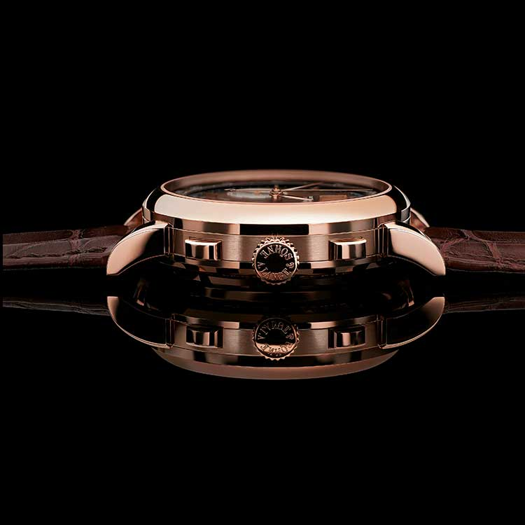The DATOGRAPH UP/DOWN - here in pink gold - displays information such as the power reserve.
