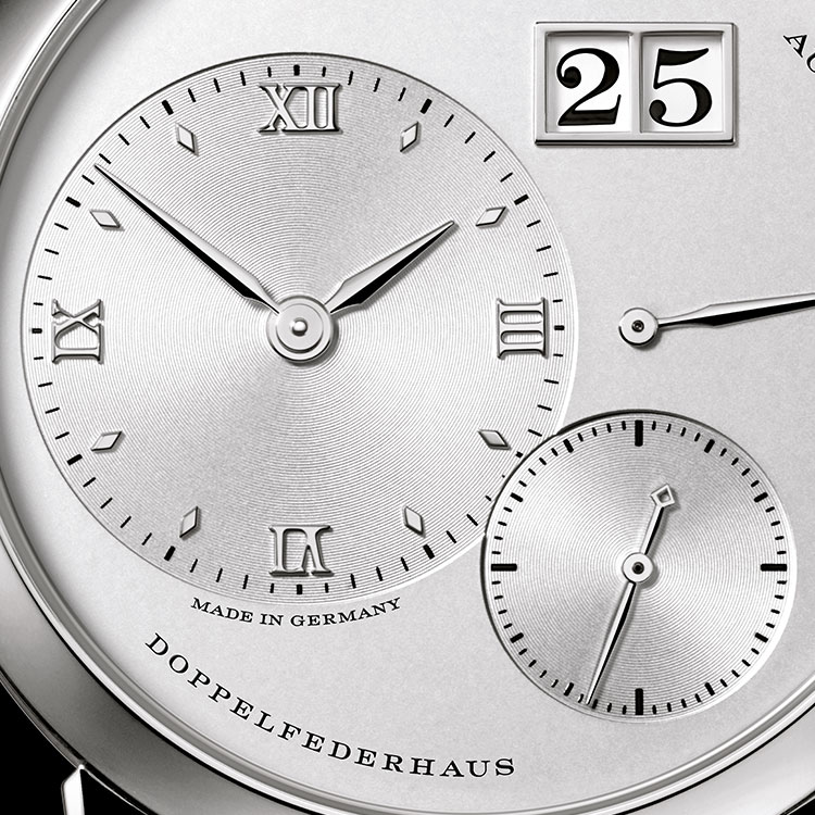With its off-centre, non-overlapping displays and the characteristic outsize date, the LANGE 1 is one of the most prize-winning timepieces of the past few decades