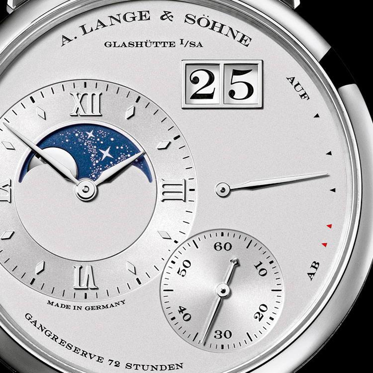 Discover the GRAND LANGE 1 MONDPHASE in platinum in front view