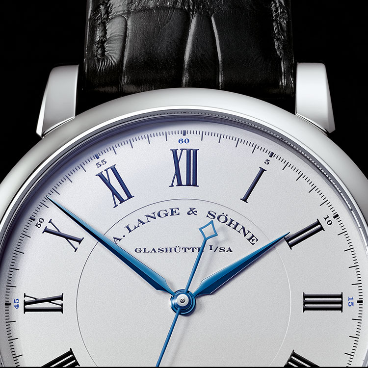 The RICHARD LANGE White Gold with argenté dial has blued steel hands and allows readings of the time to an accuracy of one-sixth of a second.