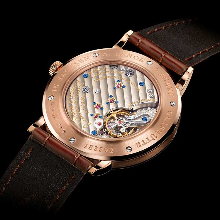 The movements of the SAXONIA models - here the boutique edition in pink gold - are assembled twofold, like in all Lange calibres.