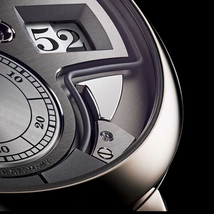 The acoustic time indication of the ZEITWERK MINUTE REPEATER corresponds exactly with the numerals reading.
