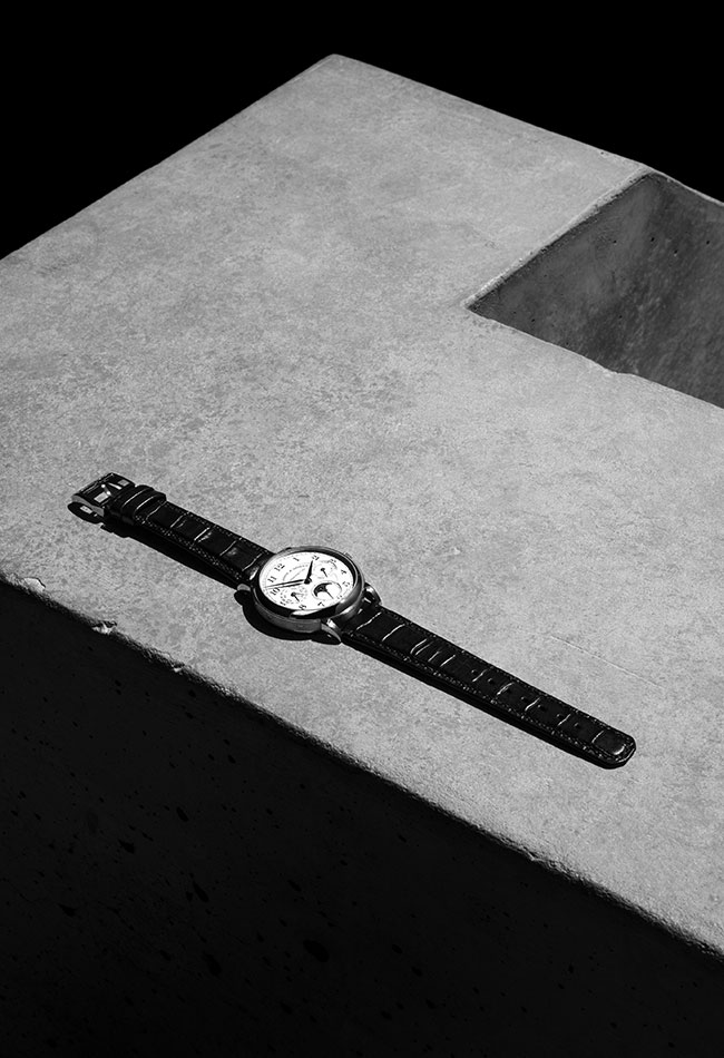 Black and white photography of the 1815 ANNUAL CALENDAR. Clemens Poloczek for A. Lange & Söhne.